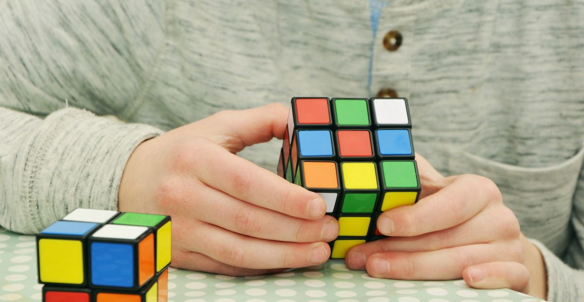 Representation of The Speaking Barrier With a Rubix Cube